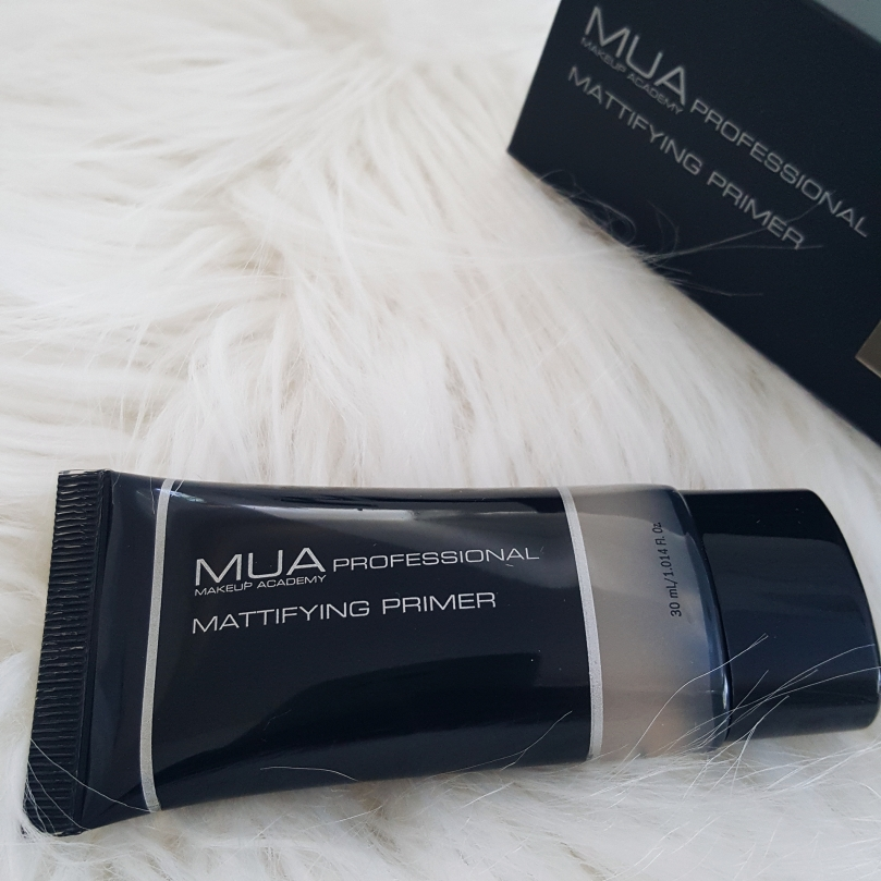 MAKEUP ACADEMY PROFESSIONAL HIGHLIGHTER, MATTIFYING PRIMER, & OMBRE BRUSH MAKEUP REVIEW 2