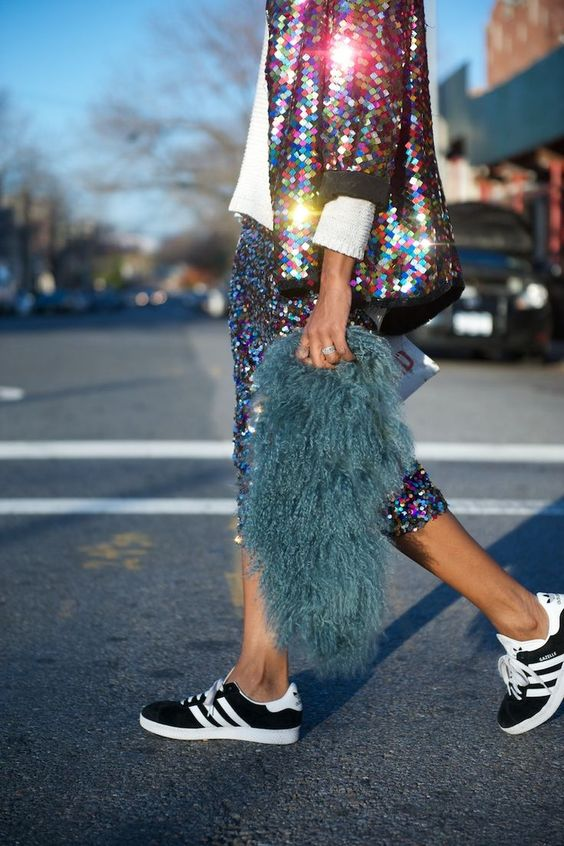 ways how to wear sequin skirt outfit 34